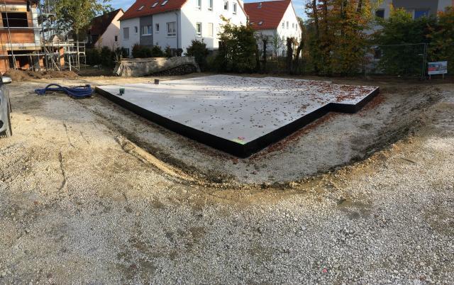 Top Bitumenvoranstrich Strinseite Bodenplatte   bautagebuch-liste.de WZ36